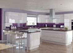 Elegant and Lovely Glossy White Kitchen Cabinets : Luxurious Glossy White Purple Kitchen Design With Fabolous Kitchen Island And Beautiful Laminate Flooring Gloss Kitchen Cabinets, Kitchen Units, Kitchen Walls, Wood Cabinets, Kitchen Island, Kitchen Living, New Kitchen, Kitchen Decor, Kitchen Ideas
