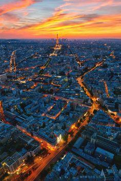 Sunset in Paris | Source | MVMT | Facebook