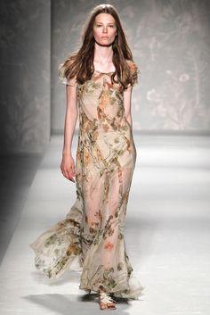 Alberta Ferretti | Spring 2011 Ready-to-Wear Collection | Style.com