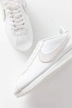 Nike Classic Cortez Premium Sneaker | Urban Outfitters