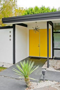 Midcentury Modern MCM Mid Century Palm Springs Yellow Painted Front Door Desert Style Starburst Light Pendant Entry black and white paint architecture house home retro atomic era Exterior Doors, Exterior Paint, Exterior Design, Contemporary Front Doors, Modern Front Door, Front Entry, Modern Entrance Door, Modern Entry, Contemporary Stairs