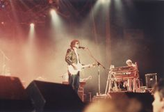 Jeff Lynne and Richard Tand, Electric Light Orchestra live in 1986.