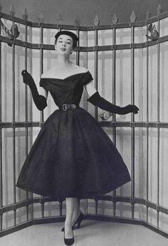 Resultado de imagen para black and grey dior dresses