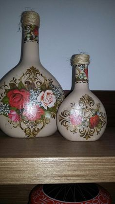 1 million+ Stunning Free Images to Use Anywhere Recycled Glass Bottles, Glass Bottle Crafts, Wine Bottle Art, Painted Wine Bottles, Painted Jars, Diy Bottle, Bottle Vase, Bottles And Jars, Bottle Box