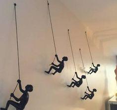 kletterer wandskulptur
