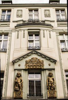 budynek na ulicy Dworcowej│Bytom │Photo Natalia Bojanowicz