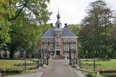 Kasteel De Essenburg in Hierden - foto's en tekeningen