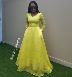 Shweshwe Dresses, African Maxi Dresses, Ankara Dress Styles, Maxi Gowns, African Attire, African Wear, Modest Dresses, Stylish Dresses, Elegant Dresses