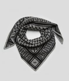 Triangle Trinity Classic S, By / middlegrey melange - Triangler - Shop - lala Berlin Lala Berlin, Luxury Shop, Pink Floyd, Hair Ties, Triangle, Cashmere, Classic, Outfits, Shopping