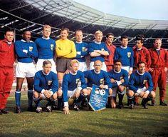 El equipo FIFA para celebrar el Centenario de la FA. Equipazo