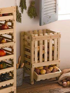 Pallet Project - Pallet Potato Bin   ---  #palletproject   #pallets  #diy