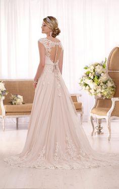 Essense of Australia D1999 – Ellie's Bridal Boutique (Alexandria, VA)