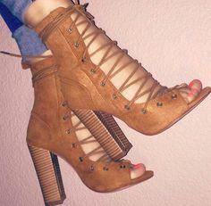 nuevo estilo a12d6 31f3c Zapatos color camel