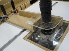 Router Table Guard/Fulcrum/Vac - by Bricofleur @ LumberJocks.com ~ woodworking community