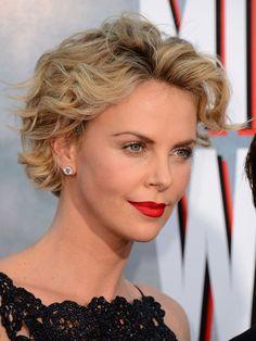 ¡Felicidades, Charlize! Repasamos 40 'looks' de la actriz en su 40º cumpleaños - Foto 37