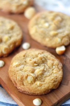 Adapted from apple-of-my-eye These delicious, melt-in-your-mouth cookies are a variation of the White Chocolate Macadamia Cookies that I posted a year ago. White Chocolate Macadamia Cookies, Macadamia Nut Cookies, Peanut Butter Cup Cookies, Gluten Free Peanut Butter, Chocolate Cookies, Super Cookies, Fun Cookies, Chip Cookies, Cookies Et Biscuits