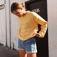Brandy Melville oversize yellow crewneck erica honey embroidery sweatshirt OS - How To Be Trendy Tenues Brandy Melville, Brandy Melville Outfits, Brandy Melville Usa, Brandy Melville Models, Brandy Melville Photoshoot, Grunge Look, Style Grunge, 90s Grunge, Soft Grunge