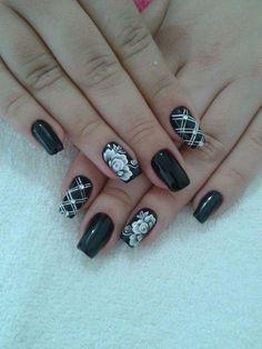 Unhas Nails Esmaltes Decorada Flores Preto Branco Flores