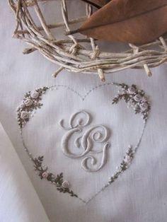 Elisabetta ricami a mano: Un matrimonio, una nascita, un battesimo e un cinquantesimo...