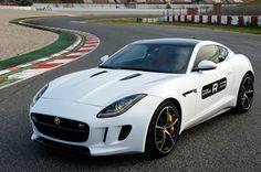 "Jaguar F-Type Coupé, supercar da ""bad guy"""