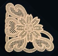 10231 Free standing lace corner embroidery $8.00
