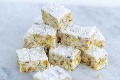 Witte chocolade fudge met pistachenootjes en kokos