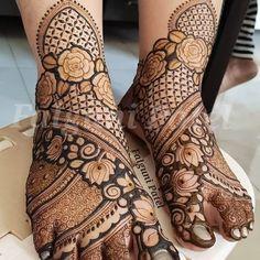 Arabic Bridal Mehndi Designs, Khafif Mehndi Design, Engagement Mehndi Designs, Back Hand Mehndi Designs, Stylish Mehndi Designs, Full Hand Mehndi Designs, Henna Art Designs, Mehndi Designs For Beginners, Mehndi Design Photos