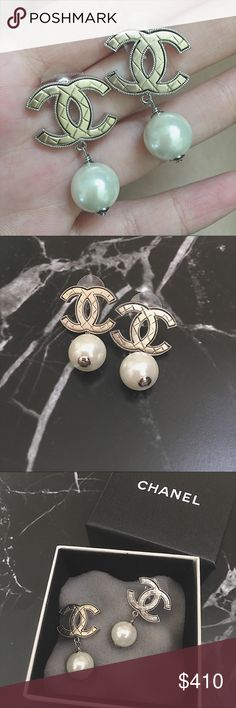 💯Chanel grid gold n silver earrings ⭐️perfect condition! 💍 ⭐️Comes with original box 🎀  ⭐️For buyers who shop with me before, discount will be applied 💰💰 ⭐️feel free to ask any questions, thanks all for shopping with me !! Big love ❤️   🌟2013 year,  shows on the stamp CHANEL Jewelry Earrings