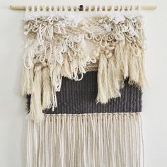 SMALL QUARTZ WEAVING Macrame Wall Hanging Diy, Weaving Wall Hanging, Macrame Art, Wall Hangings, Loom Weaving, Tapestry Weaving, Cool Tapestries, Clothes Crafts, Textile Art