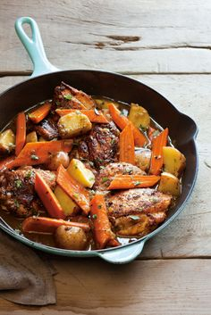 Braised Chicken Thighs with Carrots, Potatoes and Thyme - (Free Recipe below) recipes tasty,healthy recipes Braised Chicken Thighs, Skillet Chicken Thighs, Boneless Chicken Thighs, Skillet Dinners, Skillet Recipes, Chicken Potatoes, Garlic Chicken, Roasted Chicken, Cooking Recipes