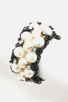 Black and pearl bracelet