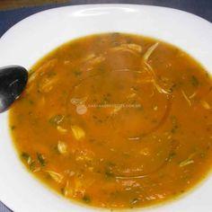 Receita de Sopa Cremosa De Abóbora Com Frango. Ingredientes, modo de preparo e dicas para uma receita mais gostosa.