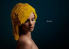 mindplay: bricks on me by elroy klee. Holland-based design studio elroy klee advertisement shoot using the building blocks of LEGO's. Using only yellow pieces, the constructed wig resembles blonde layers. Deco Lego, Lego Blocks, Wig Making, Split Ends, Trends, Geek Chic, Looks Cool, Mannequins, Wig Hairstyles