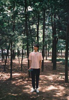 Jang Kiyong is a model and actor under the management of YG Entertainment. Kiyong took baby steps. Asian Actors, Korean Actors, Park Seo Jun, Boy Photography Poses, Japanese Drama, Kdrama Actors, Cute Cartoon Wallpapers, Korean Artist, Ulzzang Boy