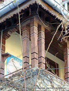 Wooden Poles, Bucharest, Historic Homes, Historian, Traditional House, Architecture Details, Romania, Interior Design, Home Decor