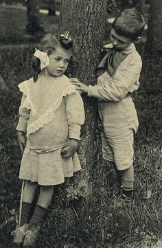 how to make friends in vintage photographs.  hide and seek tag