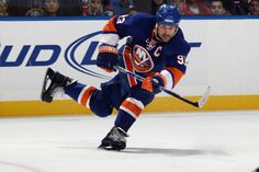 The #Isles named Doug Weight the 12th team captain in franchise history from 2009–11. Weight won the King Clancy Memorial Trophy in 2011 and currently serves as assistant general manager and assistant coach for the team.