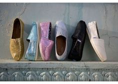 everyone knows i wouldnt survive in heels so i love the idea of toms or converse for shoes for my wedding... flat and comfortable :)