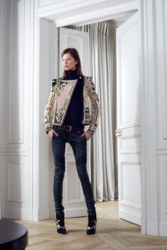 Balmain Parigi - Pre-Fall 2012 2013 - Shows - Vogue. High Fashion, Fashion Show, Womens Fashion, Fashion Design, Ny Fashion, Review Fashion, Ladies Fashion, Runway Fashion, Fashion Trends
