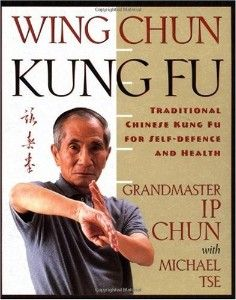 This martial arts manual is a comprehensive guide to the basic forms and principles of Wing Chun kung-fu. In over 300 black-and-white photographs, Wing Chun Kung-Fu: A Complete Guide leads the reader Krav Maga Self Defense, Self Defense Tips, Self Defense Techniques, Kung Fu Techniques, Personal Defense, Wing Chun Martial Arts, Mixed Martial Arts, Learn Krav Maga, Human Body
