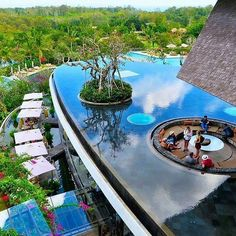 Wonderful luxury skybar in Rimba Jimbaran, Bali 😍 Who would drink here something? Photo by ✈Tag your luxury travel buddy✈ Jimbaran Bali, Beautiful Hotels, Beautiful Places, Amazing Places, Dream Pools, Cool Pools, Pool Designs, Hotels And Resorts, Luxury Houses
