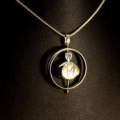 Goudsmid Margriet is gespecialiseerd in Herinnering's sieraden! Neem maar eens een kijkje op haar prachtige site en vergeet niet hun verhalen te lezen! Een vrouw die met passie haar vak uitoefent! www.goudsmidmargriet.com