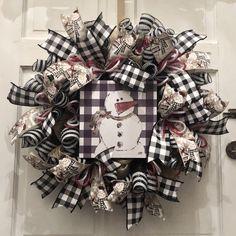 Wreaths For Front Door, Door Wreaths, Burlap Wreaths, Snowman Wreath, Diy Wreath, Plaid Christmas, Christmas Wreaths, How To Make Wreaths, Buffalo Plaid