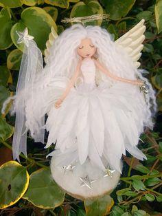 Image of Gabriella on a stand Doll Crafts, Cute Crafts, Diy Doll, Angel Flowers, Flower Fairies, Christmas Fairy, Christmas Angels, Handmade Christmas Crafts, Felt Fairy