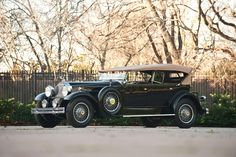 1930 Packard Custom Eight Phaeton Vintage Cars, Antique Cars, Used Electric Cars, Volkswagen Phaeton, Classy Cars, Audi A8, Car Pictures, Motor Car, Used Cars