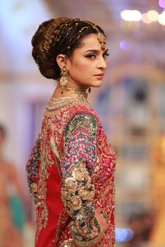 first day of pantene bridal couture week lahore 2013