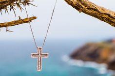 Cruz de oro blanco y brillantes - Día de la Madre