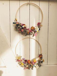 MOOIVANMOOS – Gedroogde bloemen Door Crafts, Crafts To Do, Arts And Crafts, Dried Flower Wreaths, Dried Flowers, Flower Crafts, Flower Art, Flower Arrangements, Christmas Wreaths