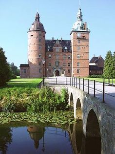 Vallo Slot, Denmark! I'VE BEEN THERE!!! The gardens are really pretty in the summer, i've been there in july, and all those flowers! You can't see the Slot itself, but you can see the gardens and the courtyard. That's also pretty awesome!