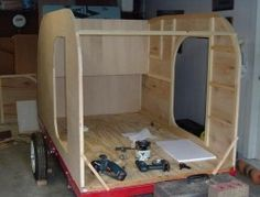Build your own teardrop trailer from the ground up – The Owner-Builder Network Slide In Truck Campers, Small Camper Trailers, Diy Camper Trailer, Small Campers, Airstream Trailers, Rv Campers, Teardrop Trailer Plans, Building A Teardrop Trailer, Teardrop Camper Trailer